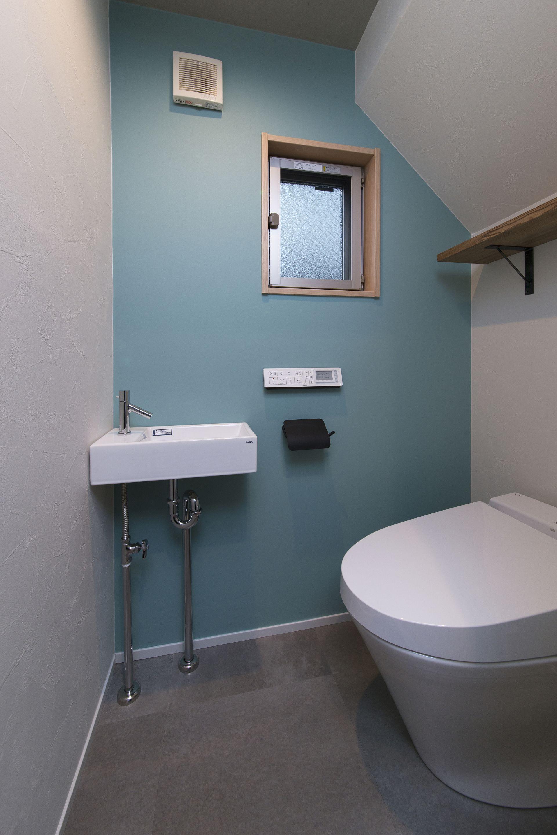 おしゃれなトイレにリノベーションするには?トイレの壁紙を解説!